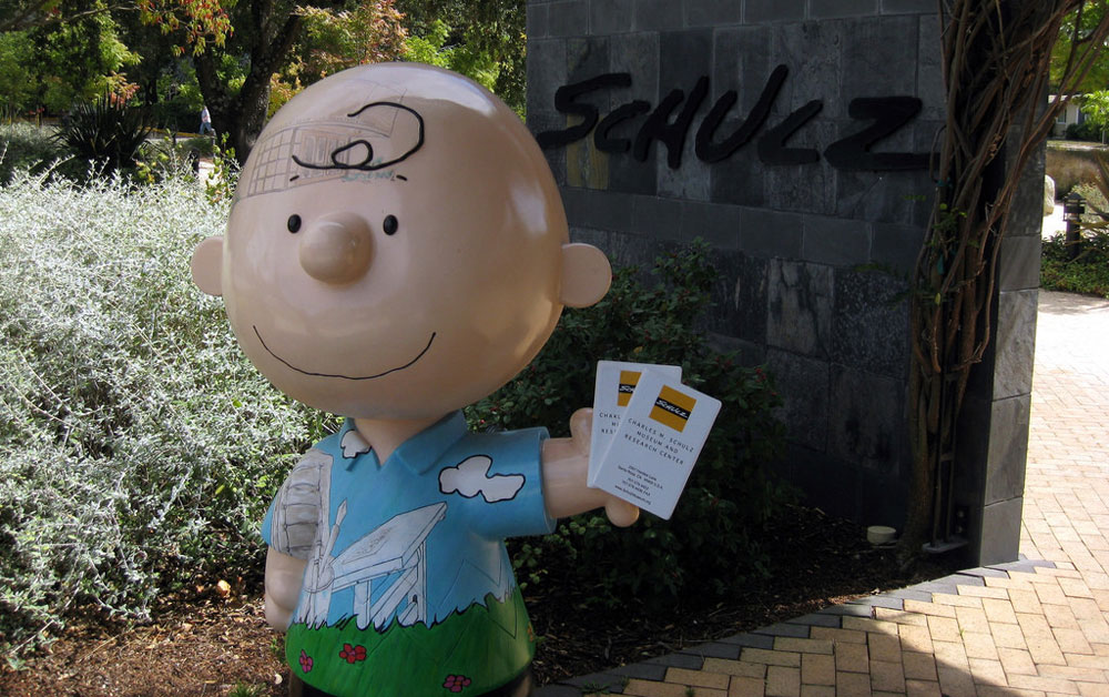 A stature of Charlie Brown