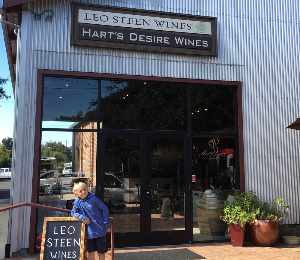 Sign fro Leo Steen Wines and Hart's Desire Wines