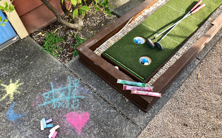 Harvest Moon Winery offers kids Otter Pops, chalk to use on the courtyard patio, and a fun golf game.